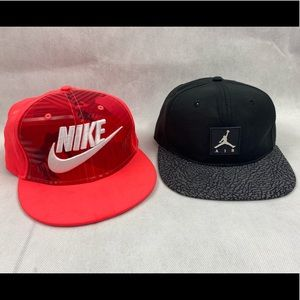 🧢🧢2 NIKE HATS 1 Youth, 1 Adult 🧢🧢